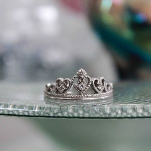 Jewelry - Stirling Silver Tiara Ring
